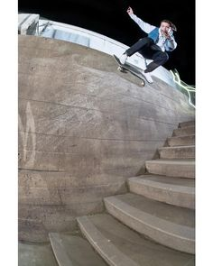 @grey_skate_mag sur Instagram : « @your_mums_pearl_necklace, wallride, #Southbank, 2013. : Kingsford. #greyskatemag »