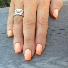 Ombré nails #ombre #nails #coral #peach #orange #square