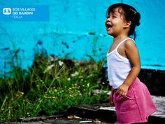 Bambina a Santa Ana in Costarica. Adozione a distanza SOS Villaggi dei Bambini