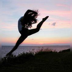 Hoy trabaje demasiado. Hasta manana amigos una nueva semana nos espera. Besos Anabell Hilarski  #panama #travel #sunset