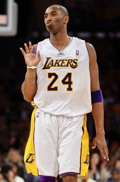 Kobe Bryant Family, Kobe Bryant 8, Nba Pictures, Basketball Pictures, Basketball Legends, Mba Basketball, Kobe Quotes, Kobe Bryant Michael Jordan, Kobe Bryant Pictures