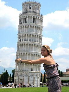 We Love Pisa. The 12 Most Awesome Pictures Of Tourists Posing At The Leaning Tower Of Pisa – BoredBug