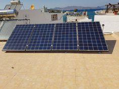 Αυτονομα φωτοβολταικα απο την  P&G ENERGY Τα αυτονομα φωτοβολταικα συστηματα είναι μή διασυνδεδεμένα με το Δημόσιο Δίκτυο Ηλεκτρισμού φωτοβολταϊκά συστήματα, τα οποία παράγουν ηλεκτρικό ρεύμα από τον ήλιο και μόνο, χωρίς καμία σύνδεση με το Δημόσιο Δίκτυο (ΔΕΗ), ενώ ελλείψει ηλιοφάνειας (συννεφιά) τροφοδοτούν τα φορτία από συσσωρευτές (μπαταρίες). Πλέον η αυτόνομη ηλεκτροδότηση με φωτοβολταϊκά είναι όχι μόνο οικονομική αλλά και αξιόπιστη.