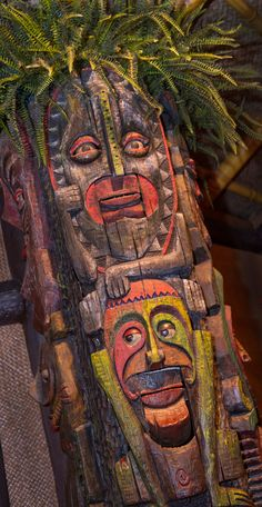 Opening in The Enchanted Tiki Room was the first Disneyland attraction to feature audio-animatronic figures, and due to their need to be operated with computers, it was the first fully air-conditioned attraction in the park. Tiki Room Disney, Disney Fun, Disney World Resorts, Walt Disney World, Disney Parks, Vintage Tiki, Vintage Art, First Disneyland, Vintage Disneyland