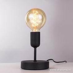Moderne tafellamp woonkamer zwart - www.straluma.nl Table Lamp, Living Room, Lighting, Home Decor, Tips, Furniture, Lamp Table, Light Fixtures, Sitting Rooms