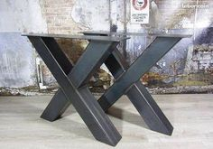x base iron Metal Dining Table, Steel Table, Dining Table In Kitchen, Steel Furniture, Custom Furniture, Cool Furniture, Corner Summer House, Industrial Design Furniture, Live Edge Table