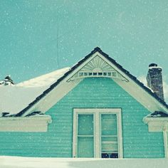 White Christmas, turquoise house