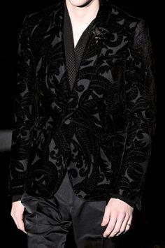 ZsaZsa Bellagio: Dark Glamour on the Catwalk