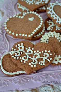 Ciasteczka cynamonowe Christmas Sweets, Christmas Gingerbread, Christmas Eve, Gingerbread Cookies, Delicious Desserts, Cheese, Cooking, Recipes, Gifts