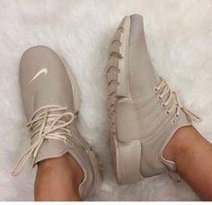 Uploaded by b; Find images and videos about nike, shoes and sneakers on We Heart It - the app to get lost in what you love. Cute Shoes, Me Too Shoes, Women's Shoes, Shoe Boots, Shoe Bag, Tan Nike Shoes, Sneakers Nike, Nike Tennis Shoes, Roshe Shoes