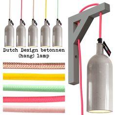 Dutch Design Betonen (hang)lampen. De strakke met de hand gegoten beton lamp heeft een glanzende, strakke finish en kan geleverd worden in verschillende kleuren snoer. Wat de industriële lamp een frisse, stoere of juist warme twist geeft.