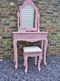 Pink girl's dressing table set