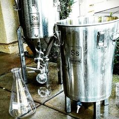 Cleaning the homebrew conical and stainless steel brew bucket. #himebrew…