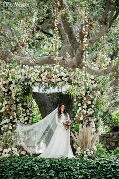 A romantic wedding with tons of balloons | ElegantWedding.ca Whimsical Wedding Theme, Magical Wedding, Romantic Weddings, Elegant Wedding, Rustic Wedding, Outdoor Wedding Inspiration, Wedding Photography Inspiration, Winter Wedding Arch, Strictly Weddings