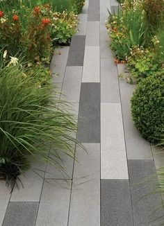 Modern Small Patio Garden Design And Ideas Garden Slabs, Garden Paving, Garden Path, Concrete Patios, Poured Concrete Patio, Concrete Slab, Pavement Design, Outdoor Paving, Paving Design