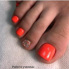 33 toe nail art designs to keep up with trends 00080 Gel Toe Nails, Feet Nails, Toe Nail Art, Manicure And Pedicure, Gel Toes, Toe Nail Polish, Glitter Toe Nails, Silver Nail Polish, Nail Art Designs