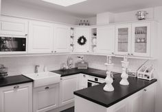 Kuvagalleria - Designkaluste Finland Oy Kitchen Island, Kitchen Cabinets, Finland, Kitchens, Home Decor, Island Kitchen, Decoration Home, Room Decor, Kitchen Base Cabinets