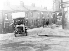 Daimler motor bus No. crossing Heeley Green into Gleadless Road from Richards Road, (in service Date 1913 Old Pictures, Old Photos, Sources Of Iron, First Bus, Happy City, Industrial Development, Sheffield England, South Yorkshire, Derbyshire