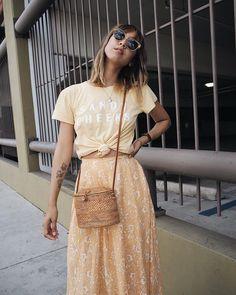 Stephanie Arant. Photo Source: https://www.instagram.com/shhtephs/ Basket bag, woven bag, rattan bag, summer bag, fall bag