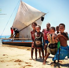 Enfants de pêcheurs, Andavadoaka, Madagascar | Ymagoo