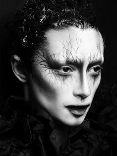 """The work of Alex Box. goes in with my """"creepy Halloween looks"""", definitely. Alex Box, Sfx Makeup, Costume Makeup, Witch Makeup, Creepy Makeup, Evil Makeup, Dead Makeup, Evil Queen Makeup, Ghost Makeup"""