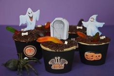 Halloween cupcakes 👻 Menu Halloween, Halloween Cupcakes, Pretty Cupcakes, Muffins, Pudding, Desserts, Food, Illusion, Biscuits