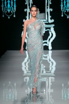 Semi-transparent One-shoulder=beautiful women.....it is my style!