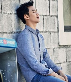 Kim Soo Hyun looks dashing in new photos released for his 29th birthday