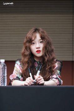 In the color of exo, color of Universe Kpop Girl Groups, Korean Girl Groups, Kpop Girls, Divas, Name Songs, Rapper, Soo Jin, Cube Entertainment, Soyeon