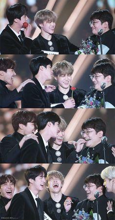Jimin' s laugh Bts Jungkook, Namjoon, Hoseok, Foto Bts, K Pop, Die Beatles, Bts Group Photos, Les Bts, Seoul Music Awards