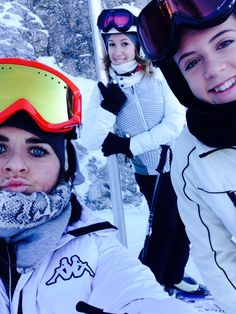 I love skiing with my best friends❤️❄️