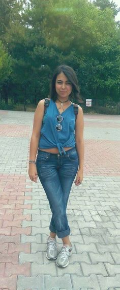 #casual #fashion #lookbook #street #blue #jeans #crop #top