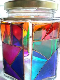 Frascos reutilizados Crafts With Glass Jars, Jar Crafts, Glass Painting Designs, Paint Designs, Alcohol Ink Crafts, Stained Glass Paint, Recycled Bottles, Diy Mirror, Bottle Painting