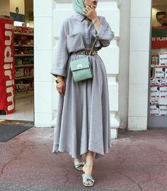 Skirt outfits hijab abayas New ideas Modern Hijab Fashion, Street Hijab Fashion, Muslim Fashion, Modest Fashion, Fashion Outfits, Islamic Fashion, Fasion, Girl Fashion, Abaya Mode