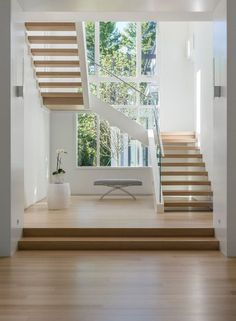 haus design A collection of modern interior designs featuring 20 Elegant Modern Staircase Designs You'll Become Fond Of. Staircase Design Modern, Luxury Staircase, Home Stairs Design, Interior Stairs, Staircase Ideas, Stair Design, Contemporary Stairs, Staircase Makeover, Modern Railings For Stairs