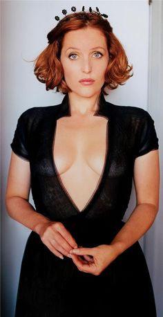 Gillian Anderson is lovely! X-Files, more like Sexy-Files!