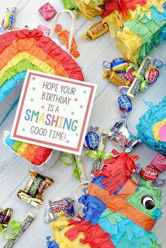 Cute Mini Piñata Birthday Gift Idea for Friends #birthdaygift #giftidea