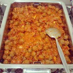 Sambal goreng kreni biasanya disajikan saathajatan di kampung-kampung sebagai lauk pelengkap.