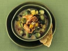 Kartoffel-Curry-Topf mit Sprossenkohl und Lachs ist ein Rezept mit frischen Zutaten aus der Kategorie Eintöpfe. Probieren Sie dieses und weitere Rezepte von EAT SMARTER!