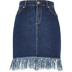 Mediumblauwe denim rok met gerafelde zoom