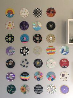 Indie Room Decor, Cute Bedroom Decor, Room Design Bedroom, Room Ideas Bedroom, Neon Bedroom, Indie Bedroom, Cd Wall Art, Wall Collage, Record Wall Art