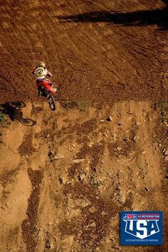 Steve Lamson climbs a Slovakian hill as he chased Sebastien Tortelli and Stefan Everts in vain in a Team USA loss in Off Road Bikes, Dirt Bikes, Team Usa, A Team, Motocross, Girly Man, Mx Racing, Rally Raid, Old Images