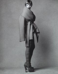 lucesolare: Linda Evangelista by Steven Meisel for Vogue Italia October 1993