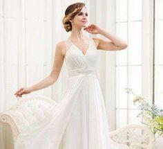 Vestidos de novia 2015: Trajes con escote en uve - Romántico diseño con escote…