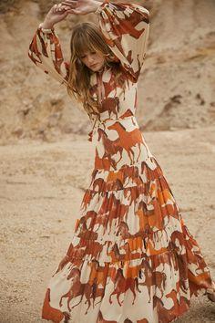 Johanna Ortiz Pre-Fall 2021 collection, runway looks, beauty, models, and reviews. Fashion News, Boho Fashion, Fashion Beauty, Fashion Looks, Womens Fashion, Fall Fashion, High Fashion, Vogue, Pinterest Fashion
