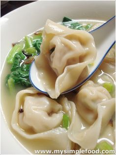 """MySimpleFood: Wonton Dumpling Soup aka """"My Wonton Soldiers"""":: whenever I'm sick,I want wonton soup. I should make some wontons and freeze them as she suggests here. I Love Food, Good Food, Yummy Food, Tasty, Healthy Food, Asia Food, Soup Recipes, Cooking Recipes, Cooking Tips"""