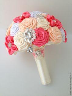 Купить Брошь букет невесты. - айвори, персиковый, коралловый, букет, букет для невесты, букет невесты Ribbon Bouquet, Hand Bouquet, Rose Bouquet, Satin Flowers, Fabric Flowers, Wedding Hands, Bride Bouquets, Bridal Boutique, Wedding Flowers