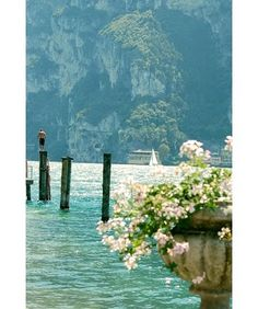 Art Lake Garda - Italy breathtaking-spaces-and-nature Oh The Places You'll Go, Places To Travel, Places To Visit, Travel Destinations, Dream Vacations, Vacation Spots, Beautiful World, Beautiful Places, Beautiful Scenery