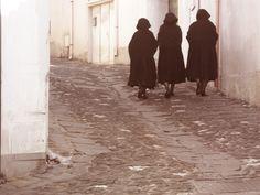 Women in Sardinia, Galtellì 25-04-12