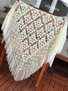 Filet Crochet, Crochet Shawl, Crochet Designs, Crochet Patterns, Art Deco Pattern, Shawl Patterns, Macrame Knots, Cute Crochet, Free Pattern